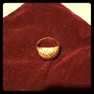 Jewelry - Gold diamond cut shrimp ring